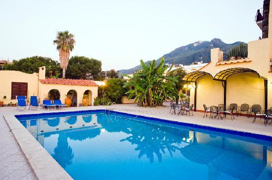 Hotel terme principe lacco ameno for Soggiorno terme
